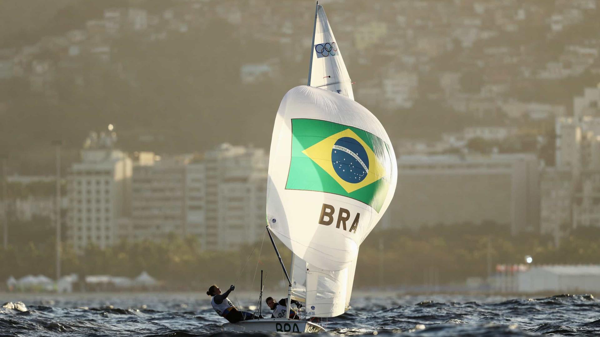 Fernanda Oliveira e Ana Barbachan vencem última regata antes de final da vela