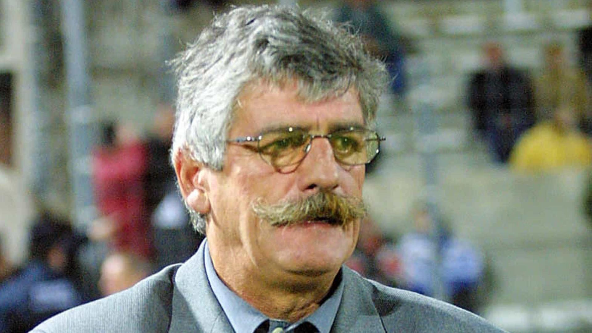Futebol francês de luto pela morte de Didier Notheaux