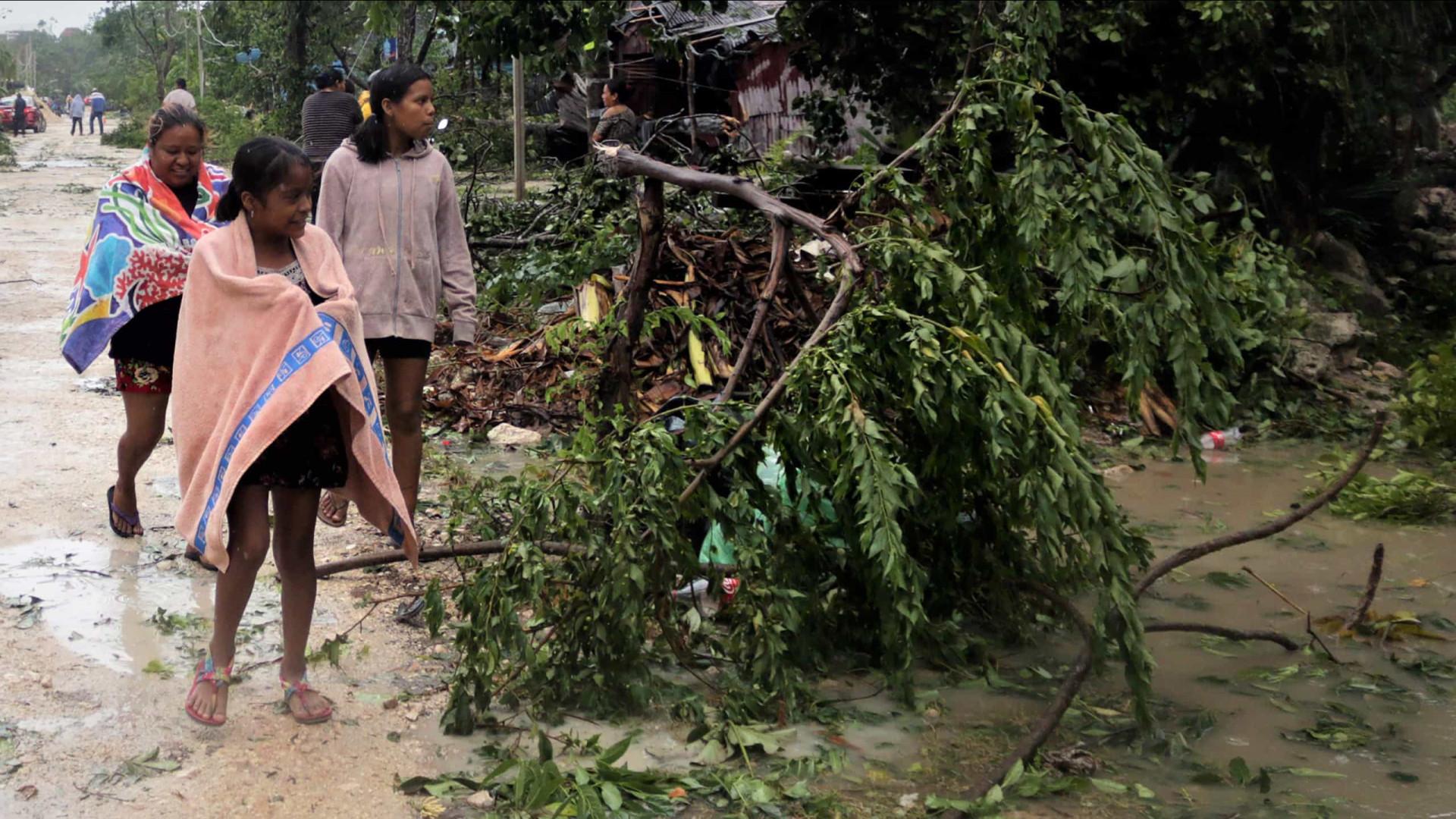 Furacão Grace faz 11 mortos no México e deixa rastro de destruição