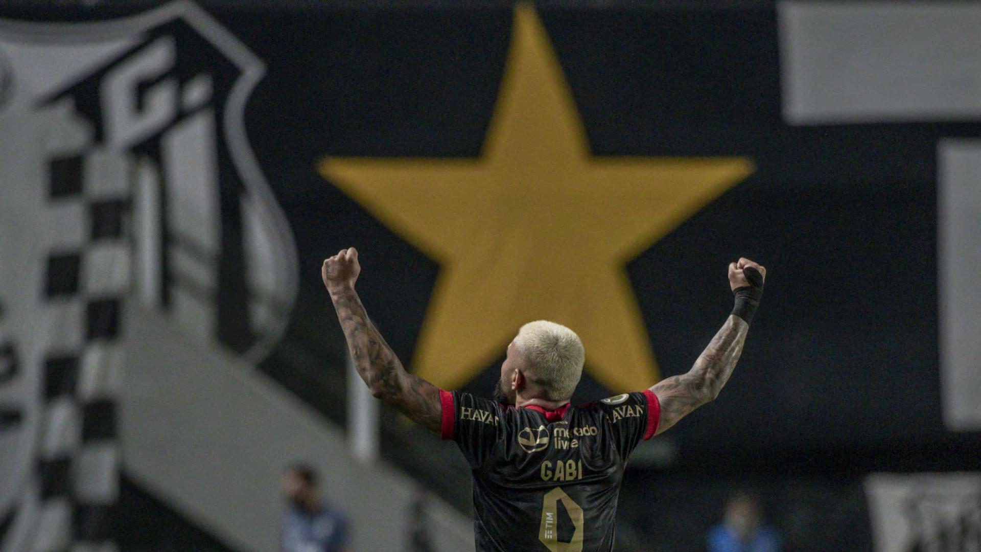 Gabigol faz gols, provoca e comanda goleada do Flamengo sobre o Santos