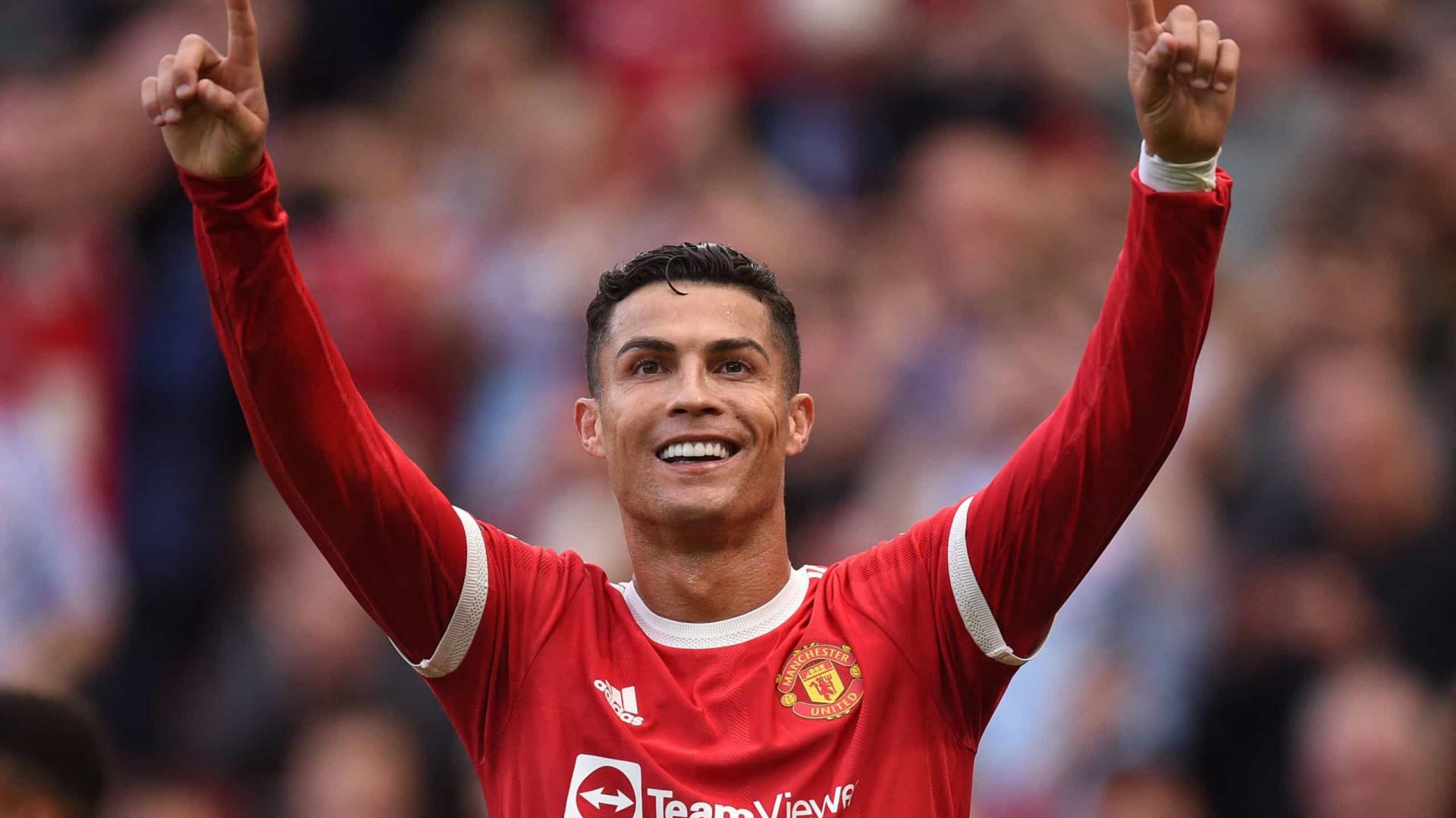 Cristiano Ronaldo supera Messi em R$ 600 mi em vendas de camisas, diz pesquisa