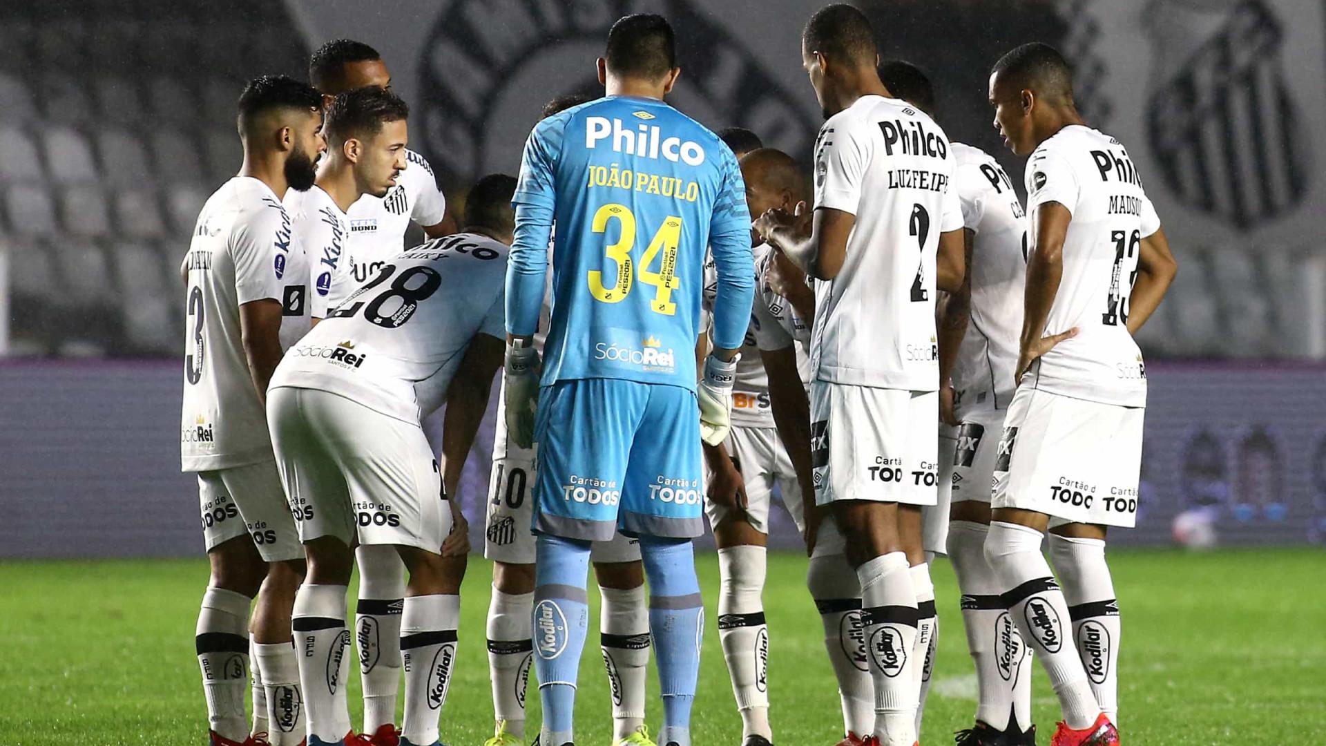 Carille aponta desatenção do Santos em derrota: 'A gente se perdeu na partida'