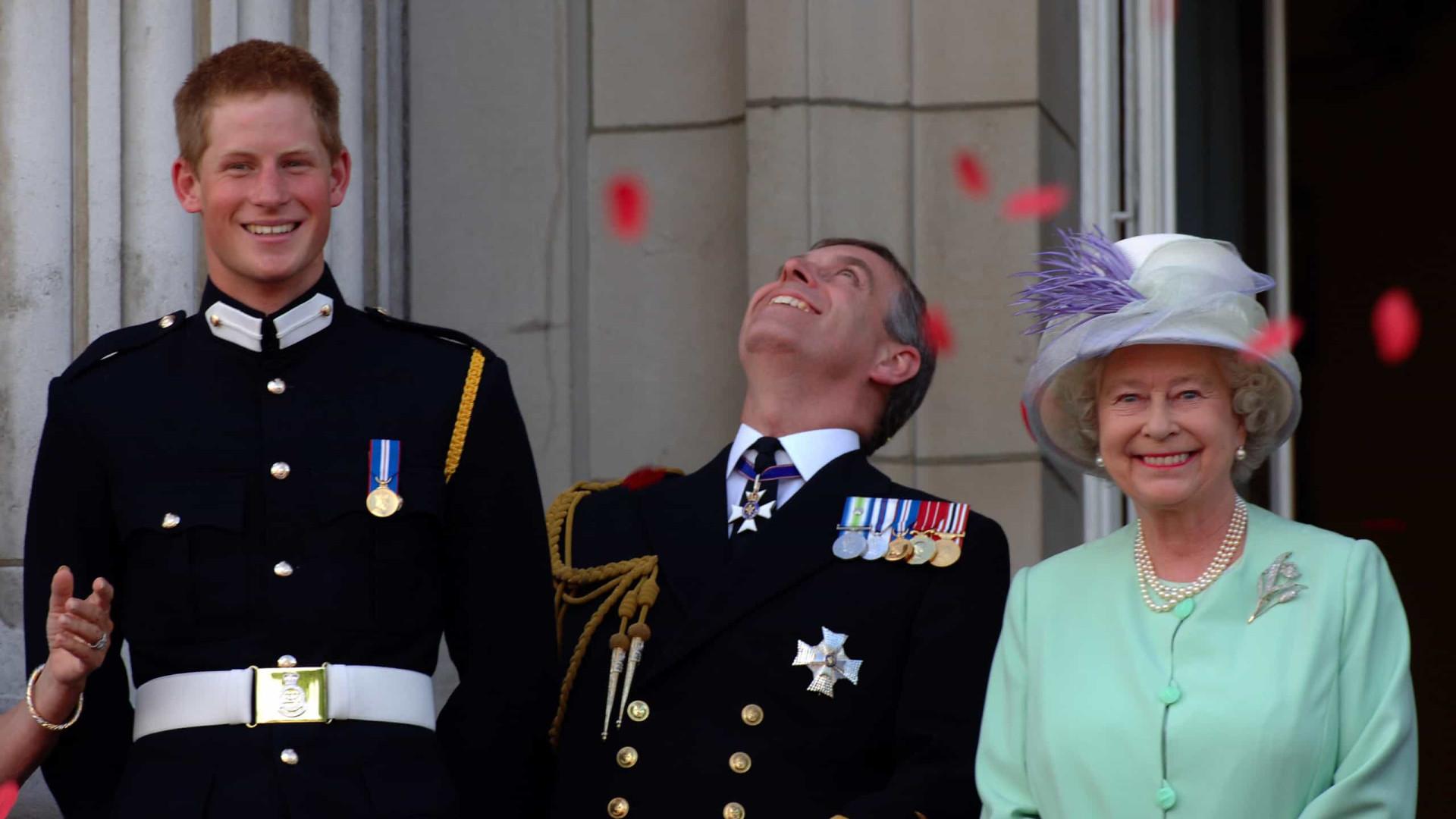 Aniversário: a mensagem da rainha e a 'viagem' à infância de Harry