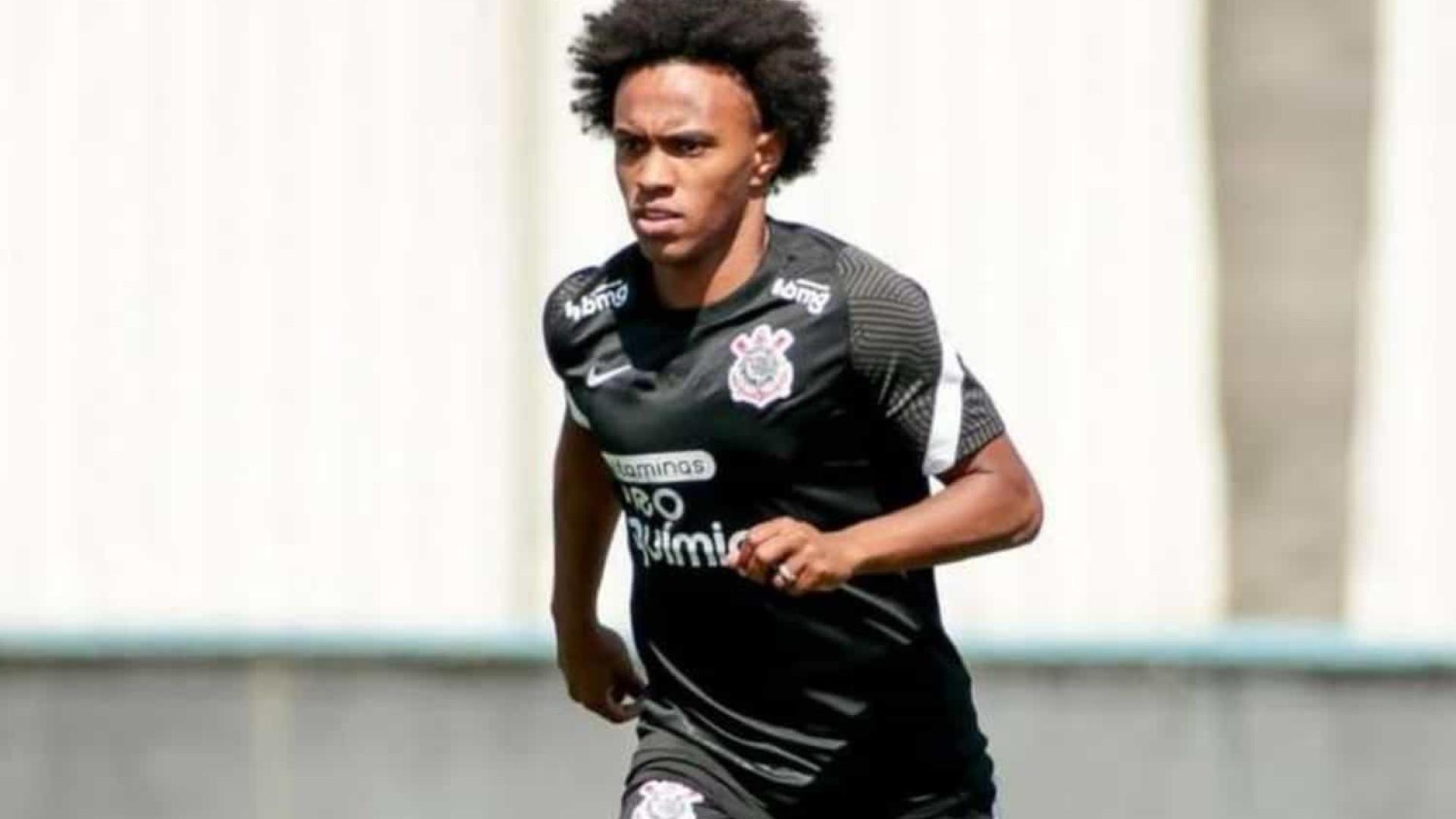 Após polêmica com a Anvisa e corte de jogo, Willian é relacionado no Corinthians
