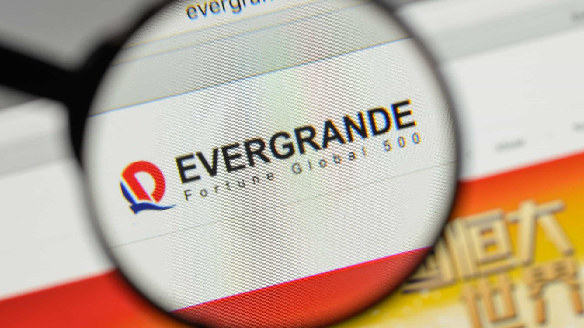 Risco de calote da chinesa Evergrande derruba Bolsas pelo mundo; entenda