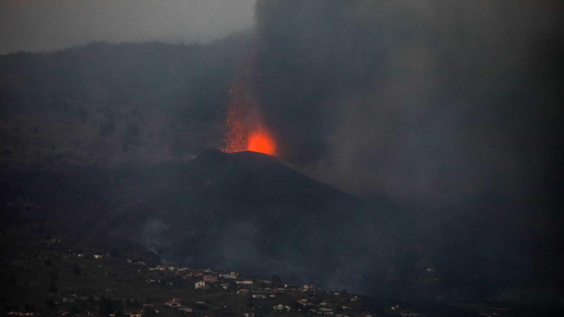 Cone principal do vulcão Cumbre Vieja colapsa parcialmente nas Canárias