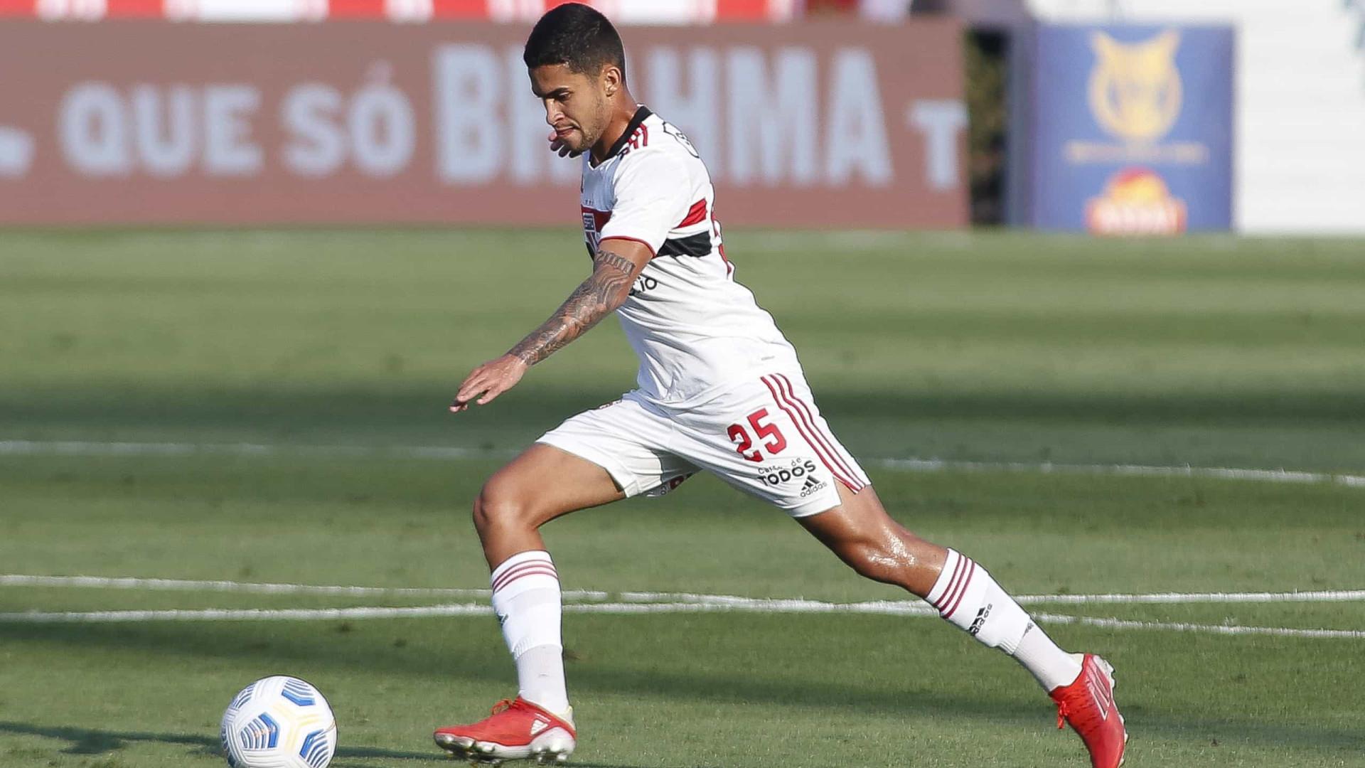 Nestor lamenta 'falta de tranquilidade' do São Paulo em empate com o América-MG