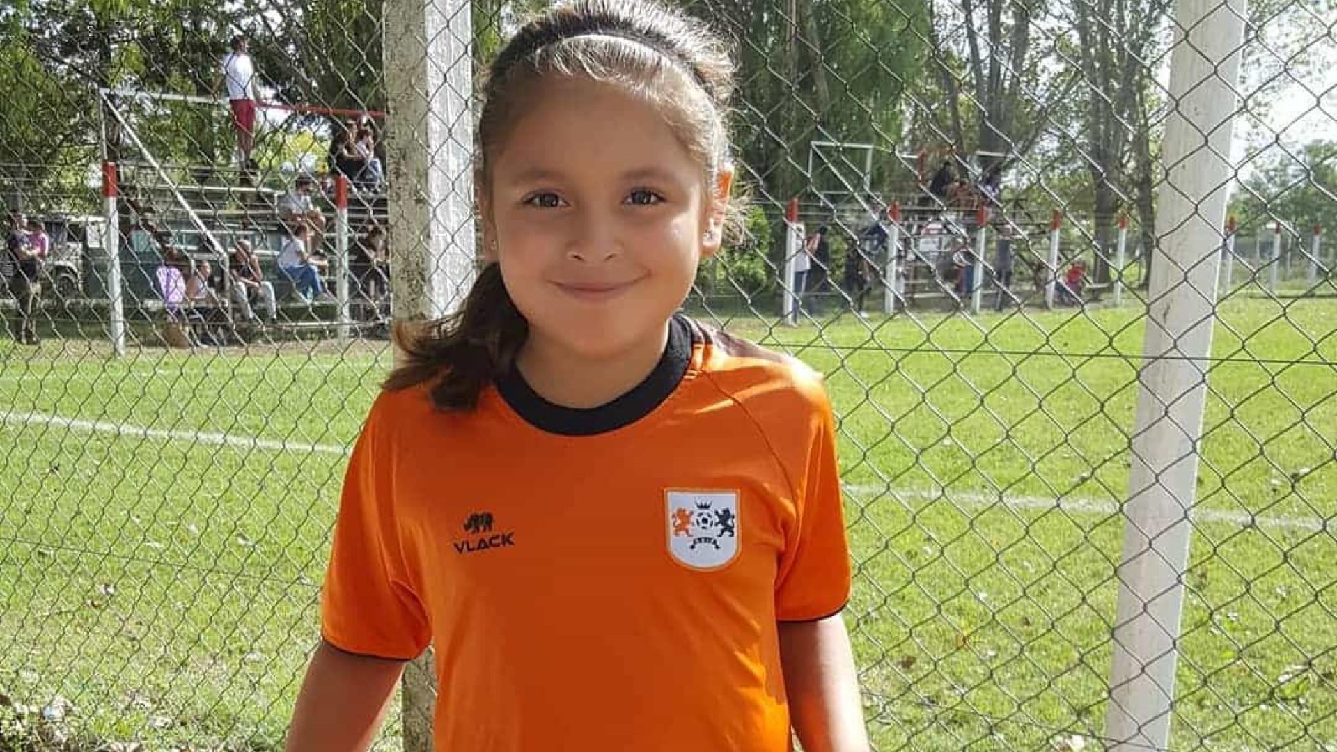 Argentina de 8 anos assina com a Nike e encanta Messi com seus dribles
