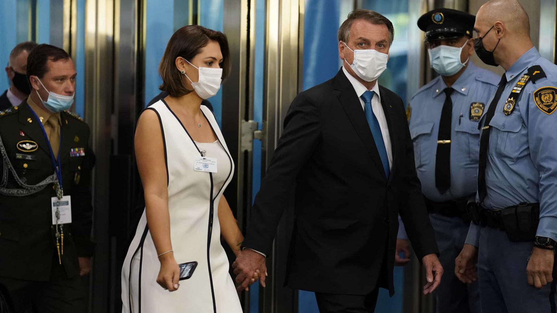 Bolsonaro diz que Michelle tomou vacina e volta a defender 'tratamento precoce'