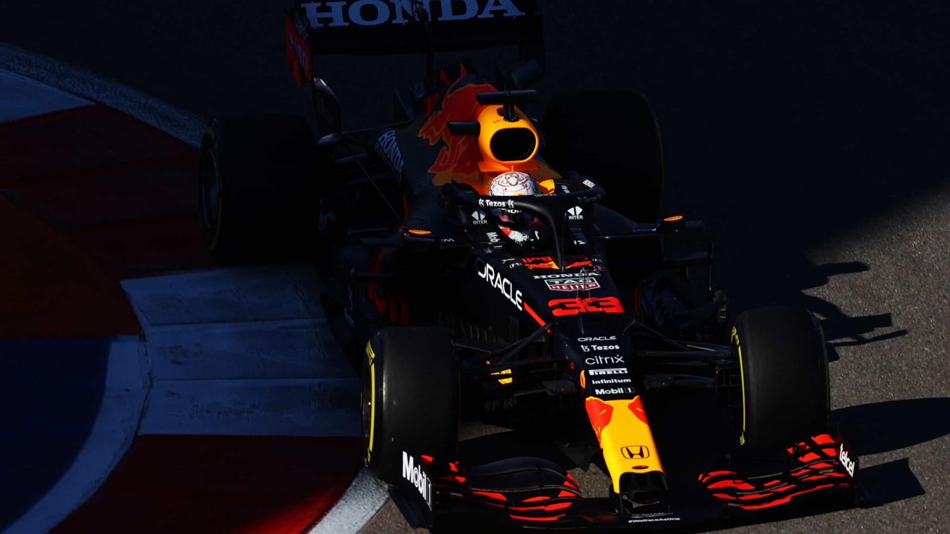 Red Bull troca motor e Max Verstappen largará no fim do grid no GP da Rússia