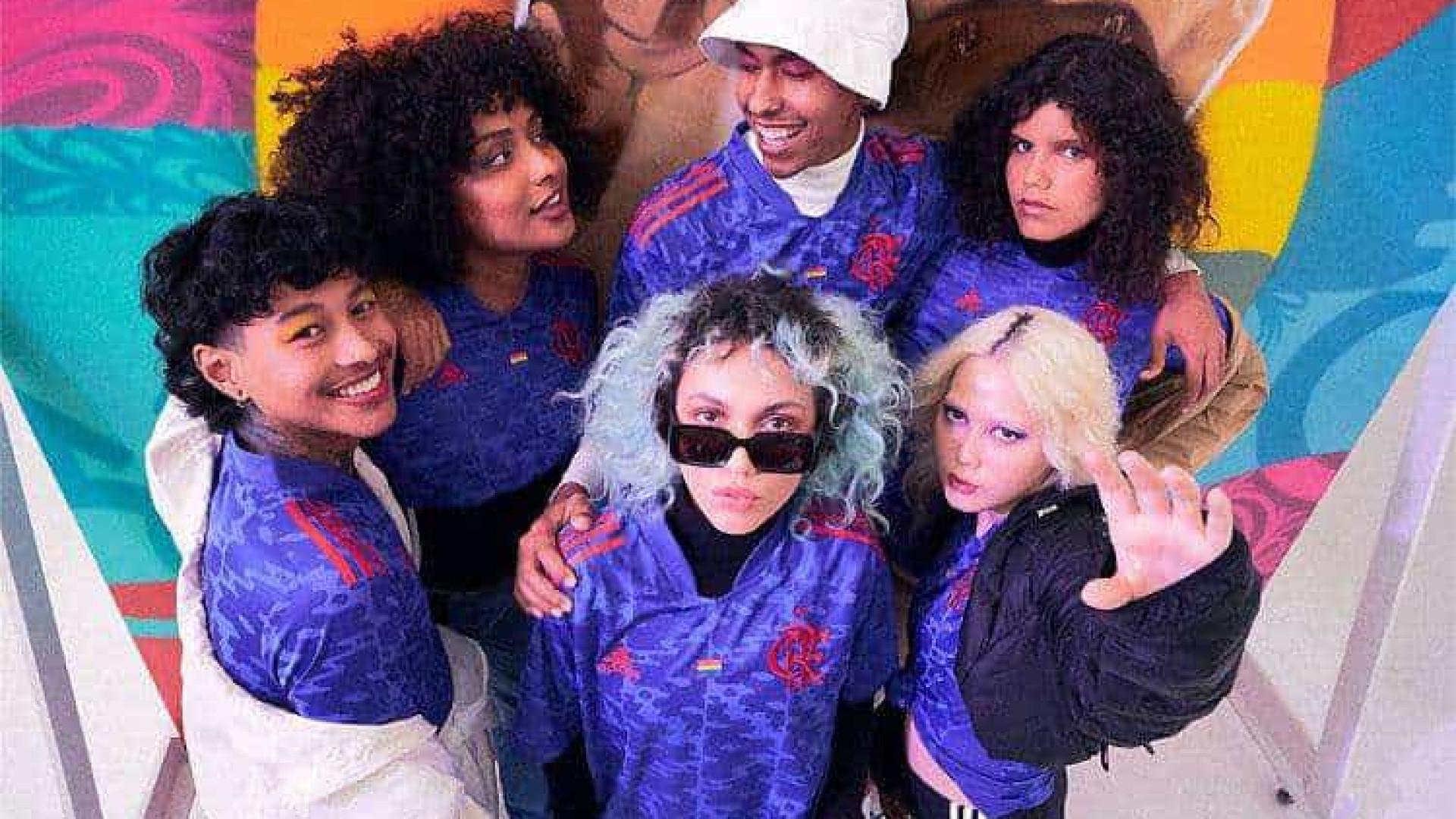 Flamengo lança uniforme comemorativo em apoio à comunidade LGBT+