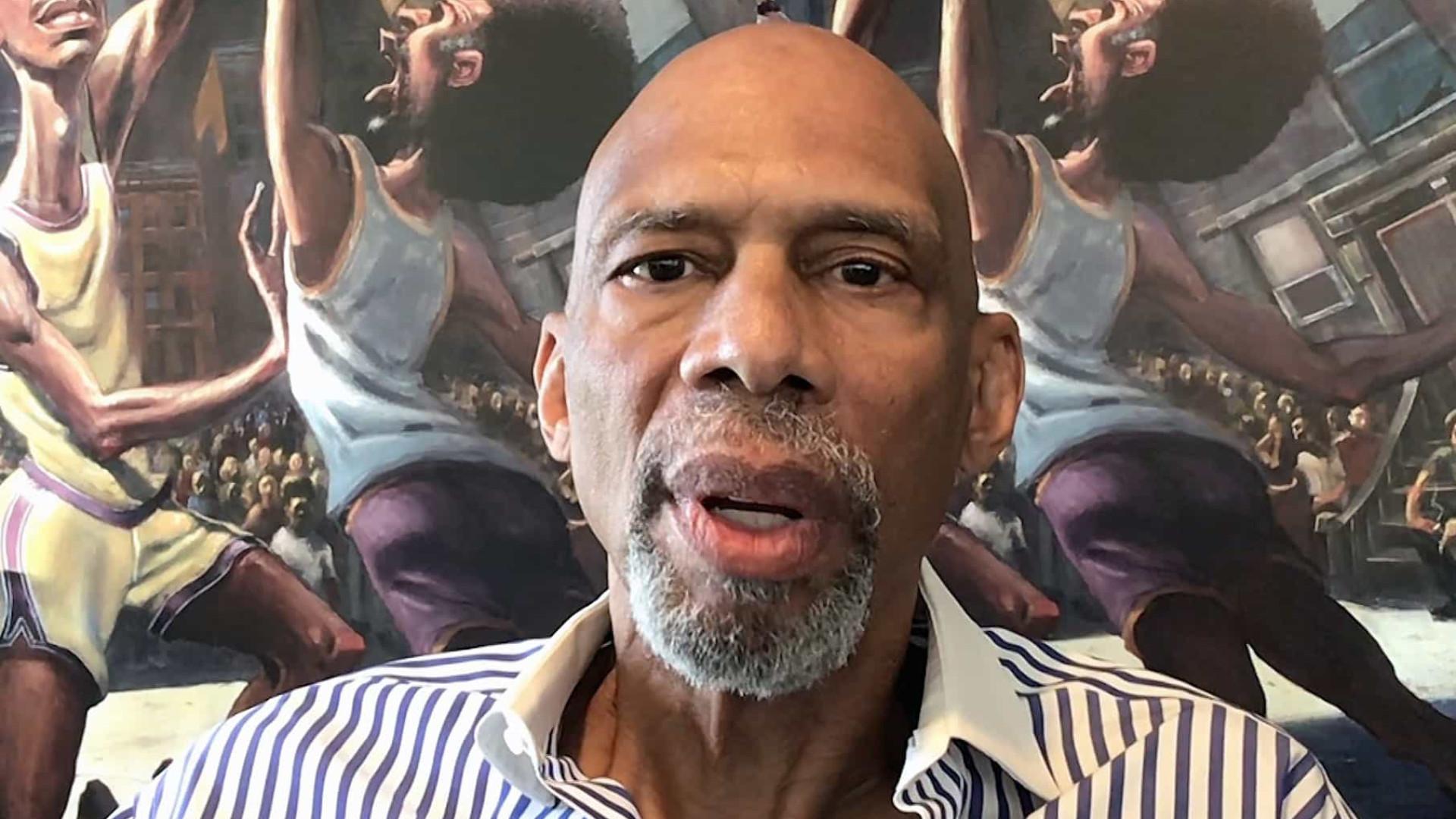 Kareem Abdul-Jabbar diz que NBA deveria obrigar vacinação a todos os jogadores