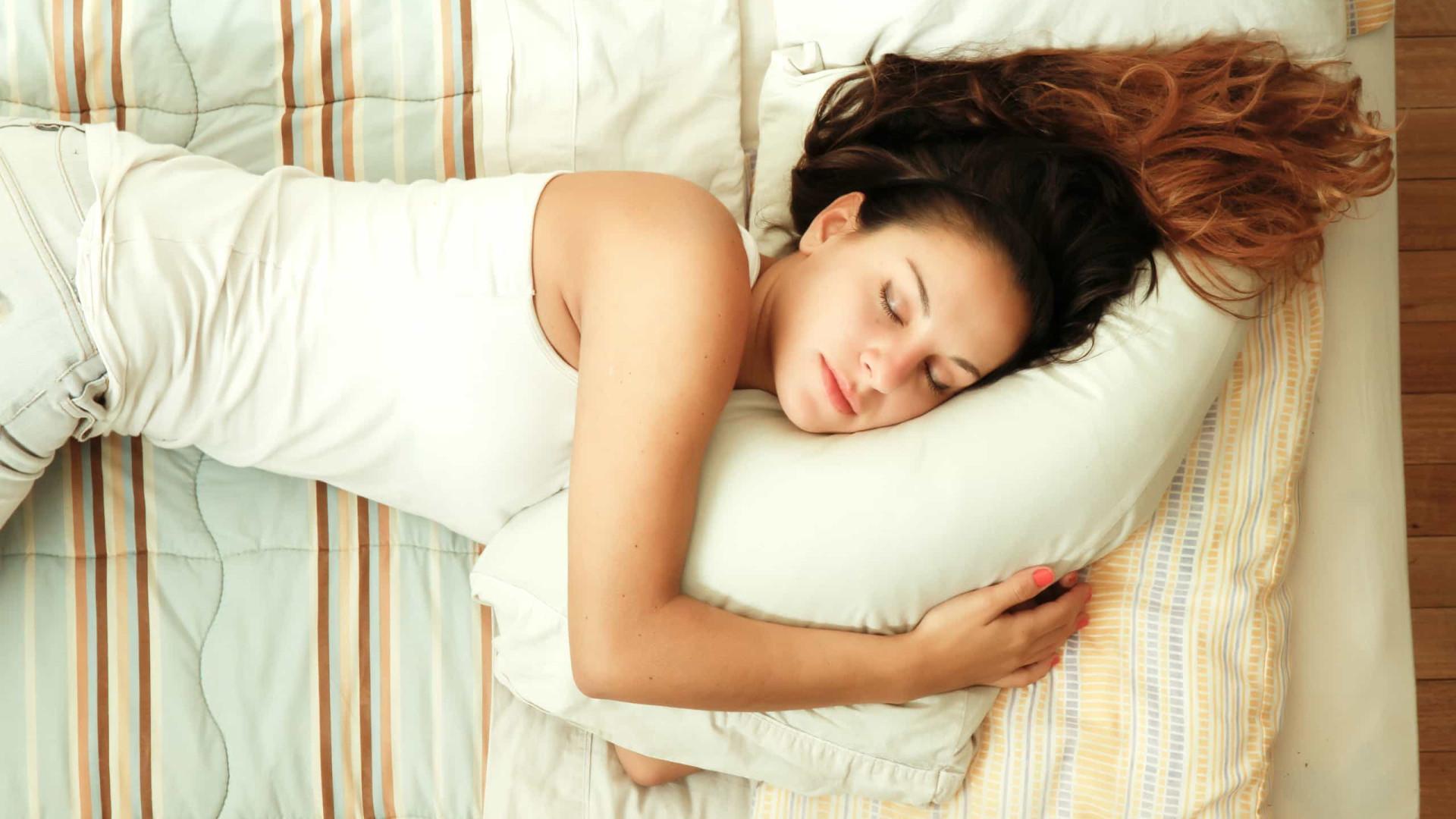 O 'ponto ideal' de sono para proteger a saúde e o cérebro dos adultos