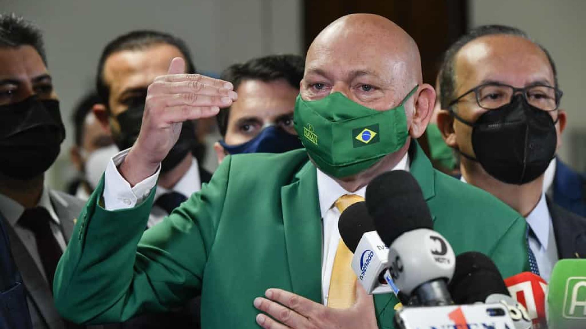 Hang recusa fazer juramento de não mentir à CPI, mas diz estar com a verdade ao seu lado