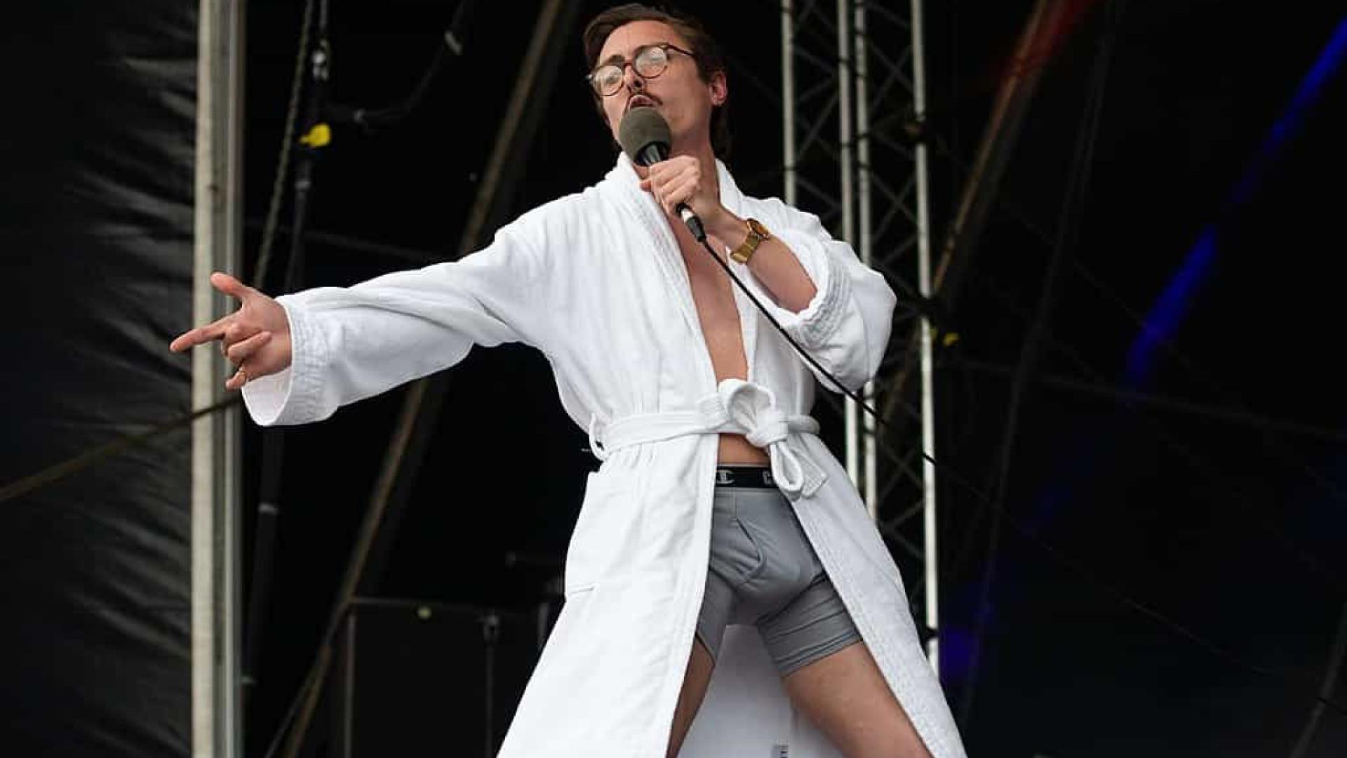 Quem é Marc Rebillet, DJ e youtuber que ficou famoso ao fazer shows só de cueca