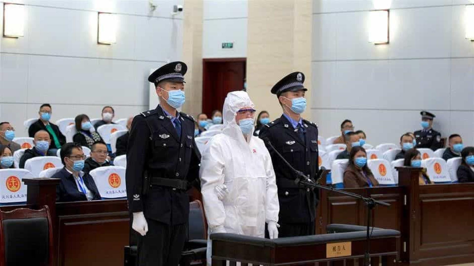 Chinês que ateou fogo à ex-mulher em live na web recebe pena de morte
