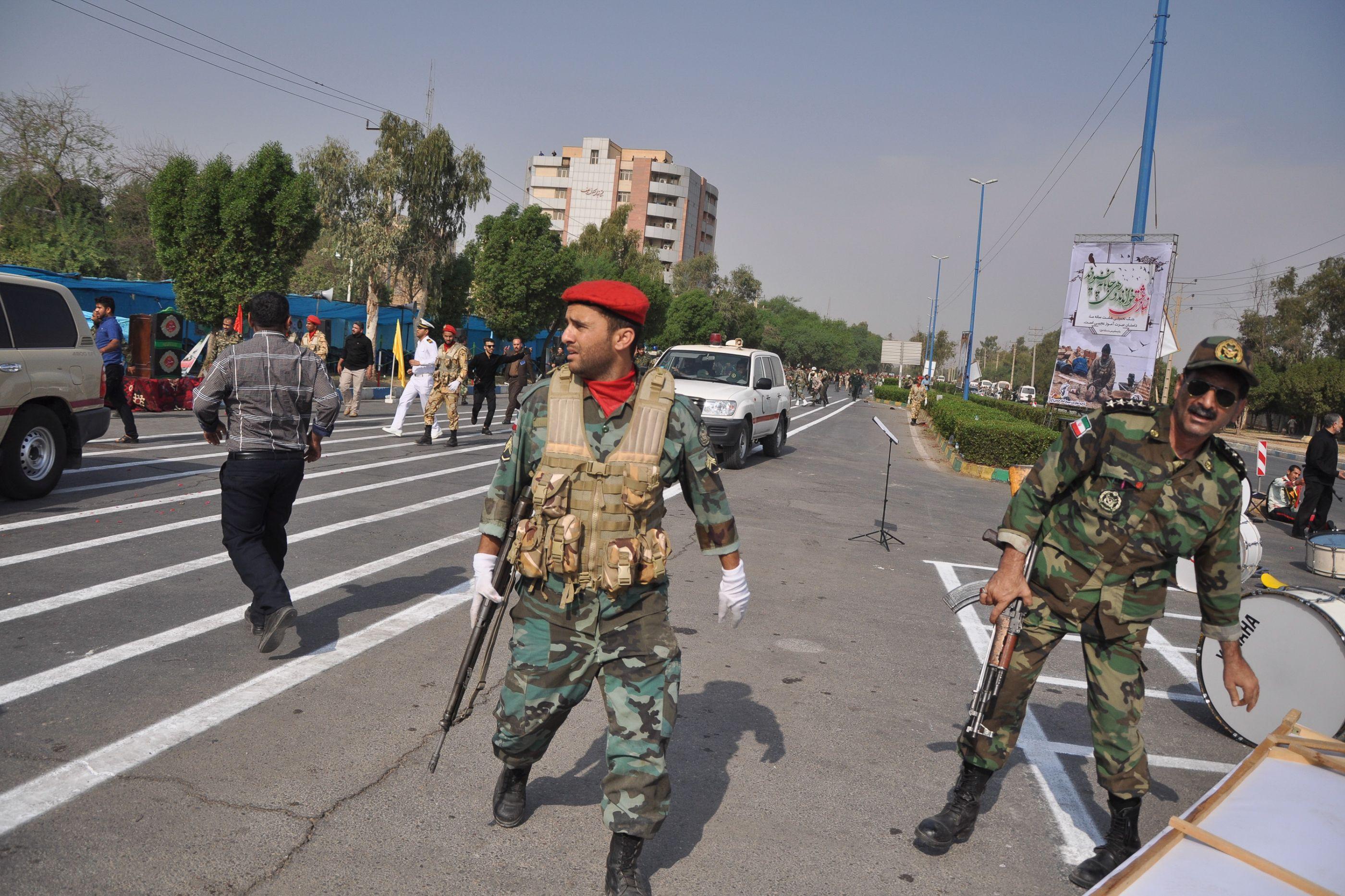 Estado Islâmico reivindica ataque durante desfile militar no Irã