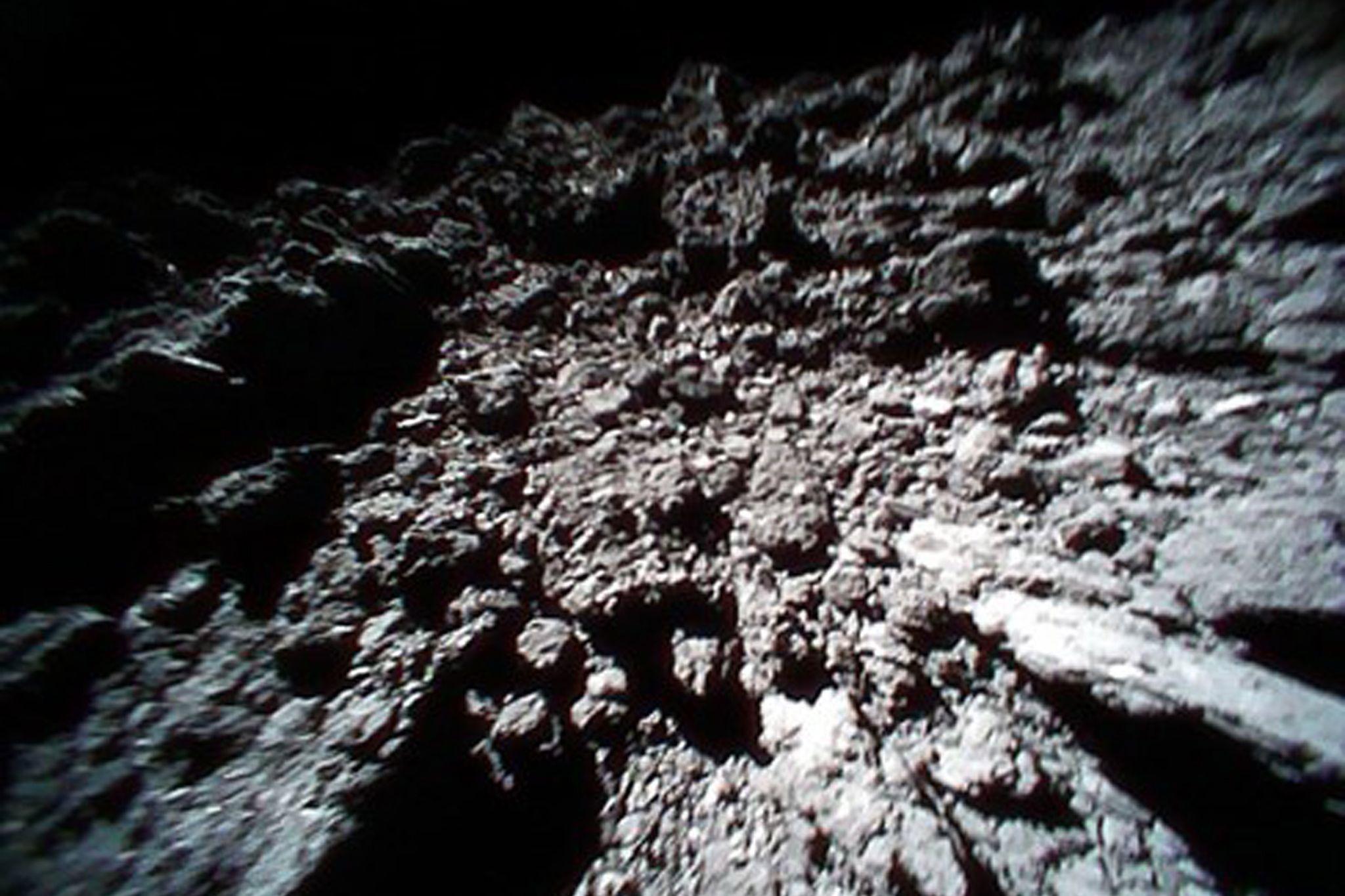 Sonda japonesa vai aterrissar em asteroide para recolher amostras