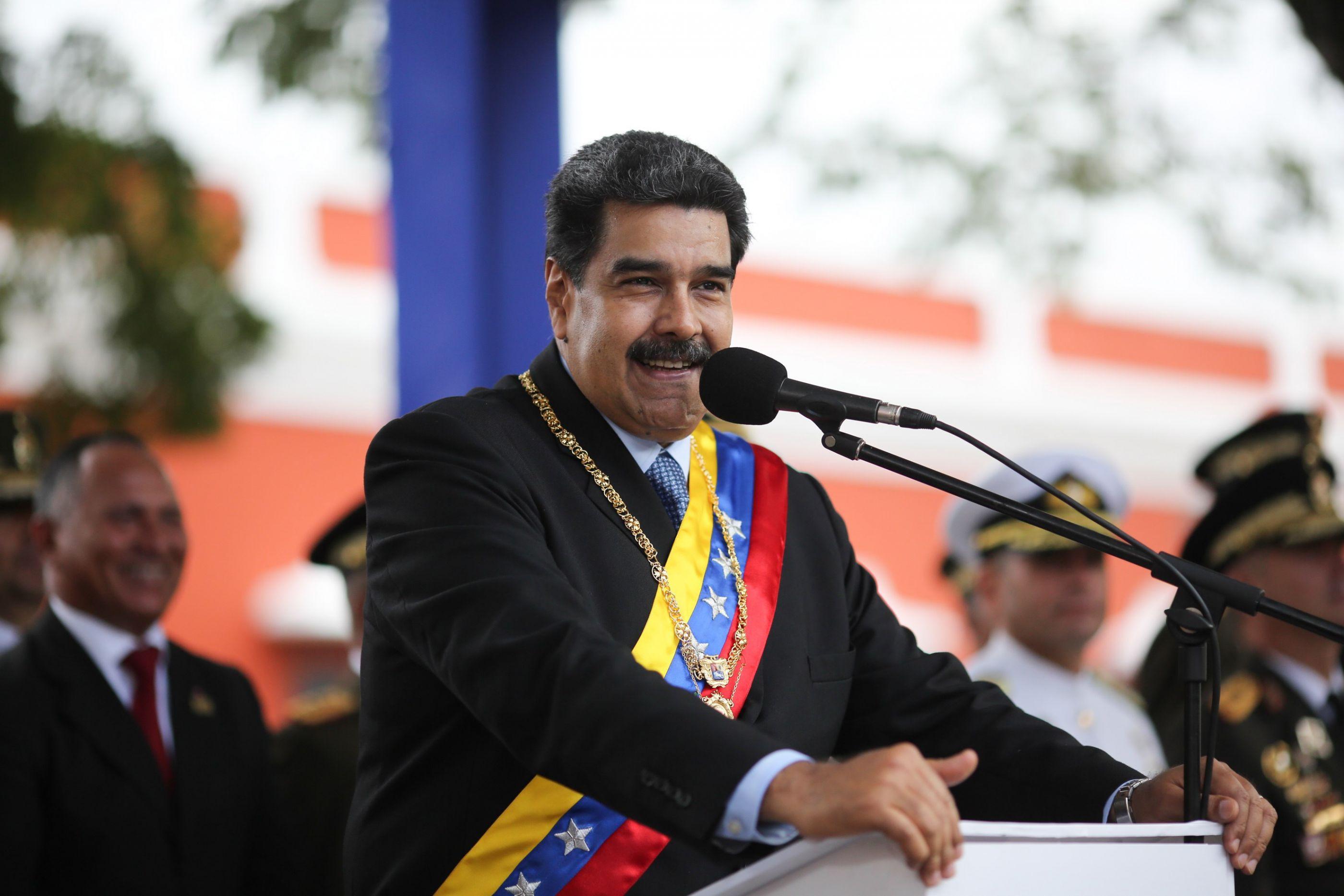 Nicolás Maduro desafia Juan Guaidó a convocar novas eleições