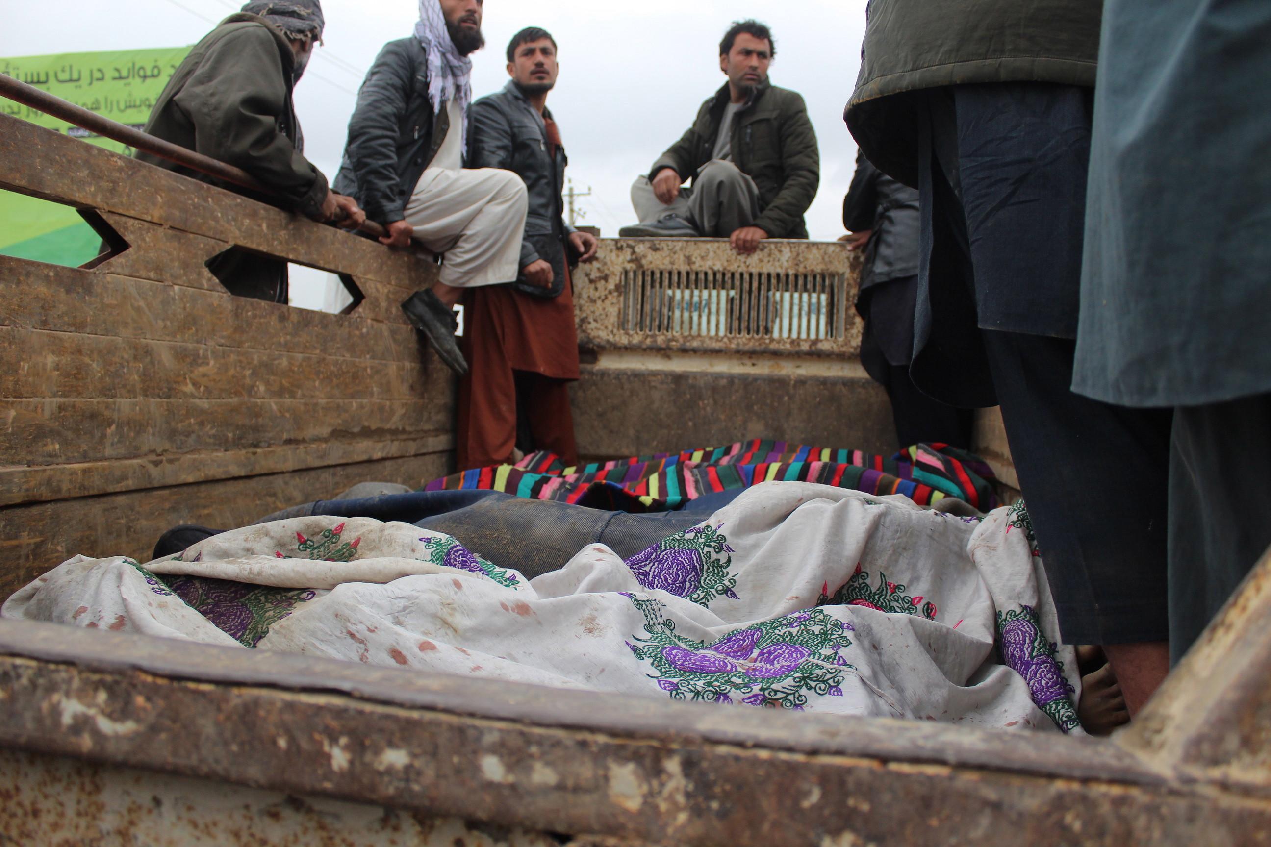 Bombardeio no Afeganistão faz 13 mortos, sendo 10 crianças