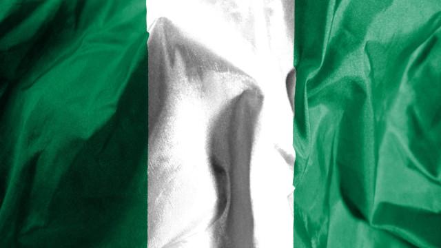Estudantes nigerianos estão desaparecidos após ataque a escola