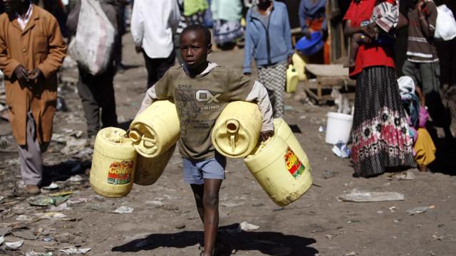 ONU defende congelamento da dívida em África