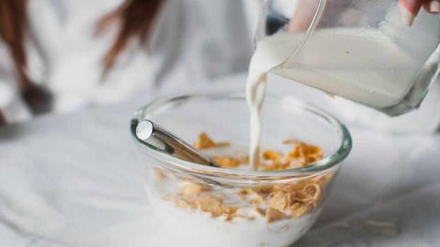 Afinal, pular o café da manhã não engorda
