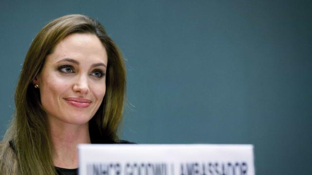 """""""A violência sexual é uma arma eficaz"""", diz Angelina Jolie"""