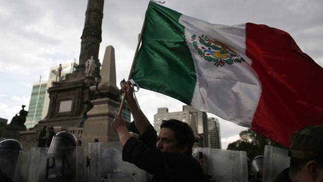 México fecha 2013 com déficit comercial de US$ 1 bi