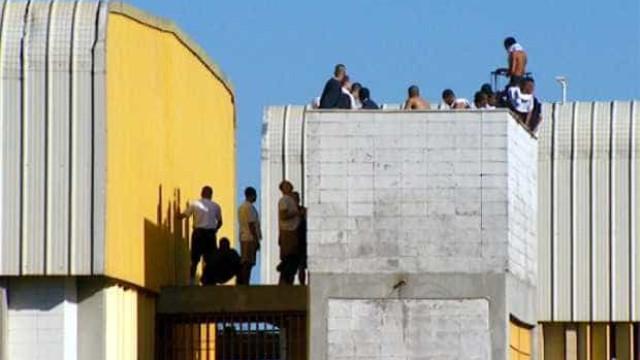 Internos fazem rebelião na Fundação Casa de Guarulhos