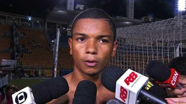 Santos acerta renovação com David Braz por quatro anos