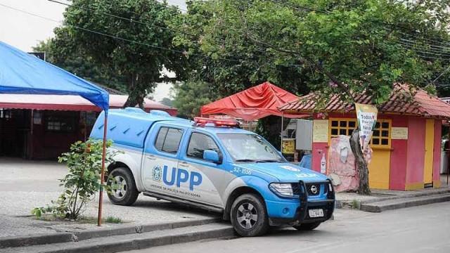 Homens são encontrados com sinais de tortura dentro de favela com UPP