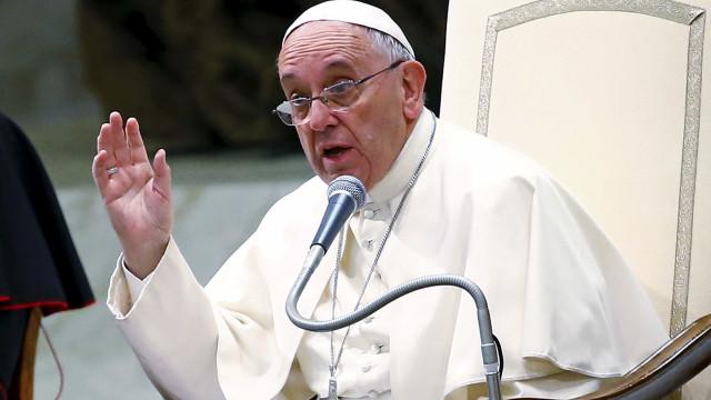 """""""Igrejas com as portas fechadas deveriam chamar-se museus"""", diz Papa"""