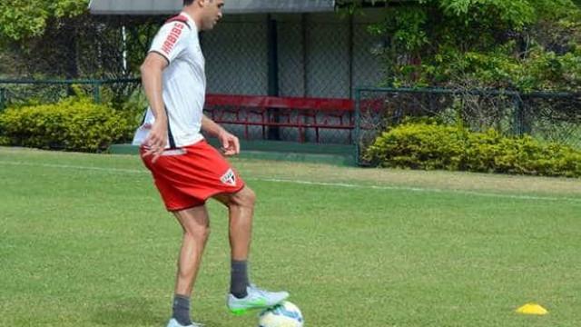 Alan Kardec treina e se aproxima de retorno ao São Paulo
