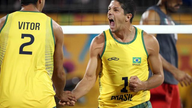 Seleção masculina atropela Peru na estreia do Sul-Americano de Vôlei