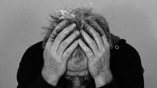 Lítio tem efeito protetor em portador de transtorno bipolar, diz estudo