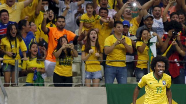 Willian acredita que vitórias darão mais confiança à seleção