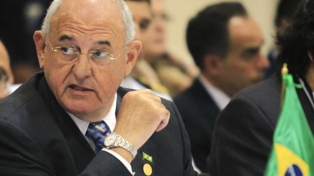 Venezuela rejeita Jobim para observar eleição e TSE deixa missão no país