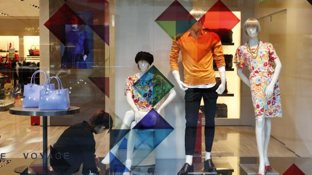 Confiança de varejistas cai 2,7% em dezembro