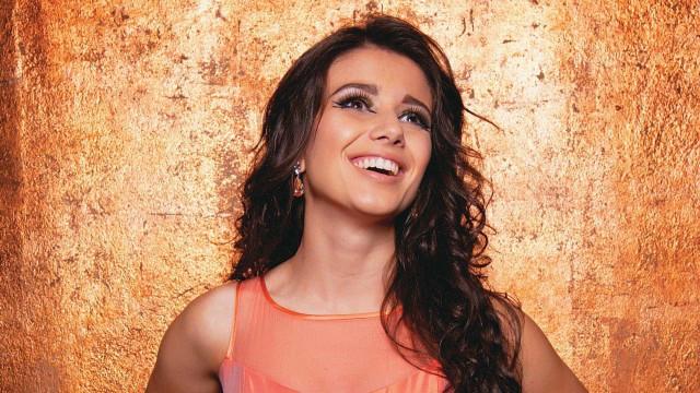 Paula Fernandes fala sobre os planos para o casamento