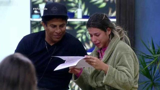 Por carta, Thiago Servo pede Ana Paula em casamento
