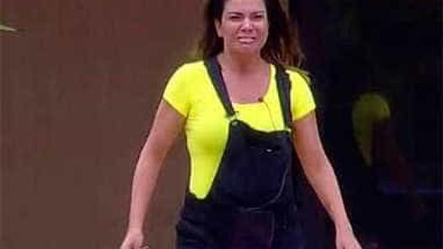 Discussão entre Mara Maravilha e Carla Prata acaba em choro