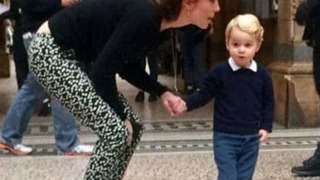 Kate Middleton leva Príncipe George a museu