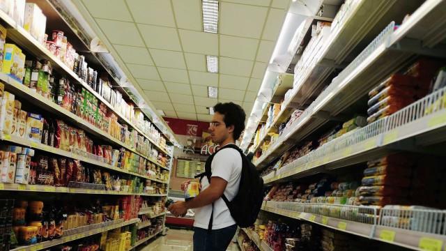 Supermercados registram alta de 2,16% no volume de vendas