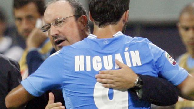 Higuaín decide e Napoli acaba com série vitoriosa da líder Fiorentina