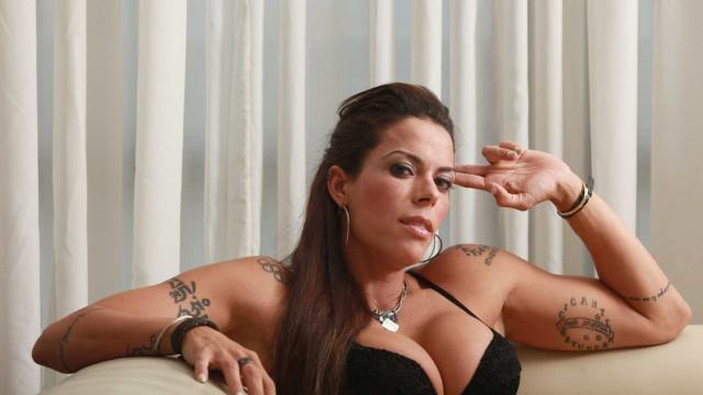 Eliminada, Rebeca Gusmão diz que Mara Maravilha está fingindo