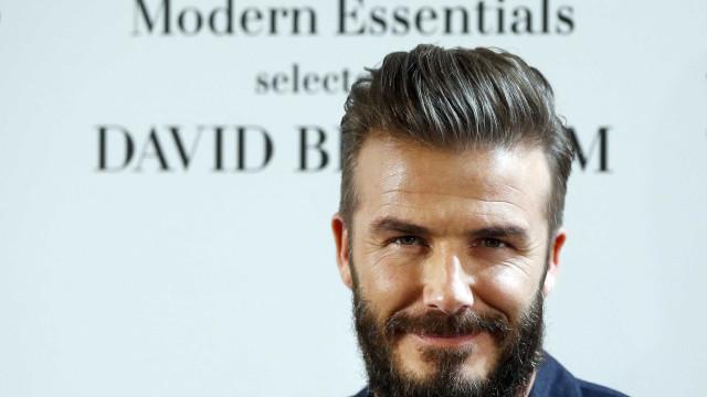 David Beckham se alimenta de esperma