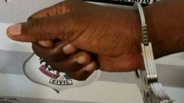 Mulher é presa por suspeita de torturar a filha de 9 anos