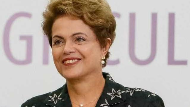 Dilma deixa Porto Alegre após rápida passagem para visitar a família