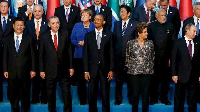 Dilma pede que Brics sigam reduzindo riscos à economia